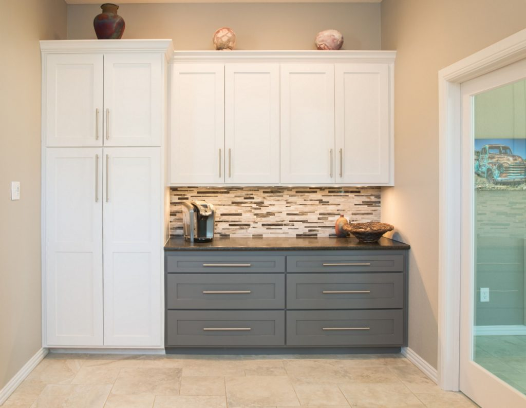 North Richland Hills Buffet And Pantry In Transitional Kitchen